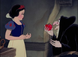 Snow_White_the_Witch_and_the_apple-300x222